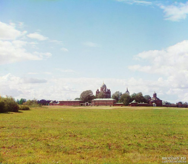 Общий вид Спасо-Бородинского монастыря с севера. Бородино. 1911.  Фото Прокудина-Горского.