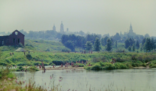 Можайск. Купание у водокачки. 1977-78 год. Фото Н.Никитина
