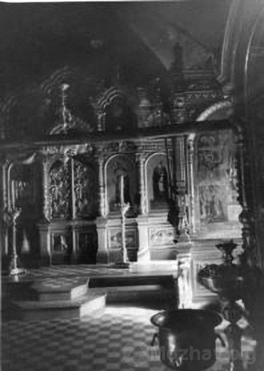 Внутренний вид церкви Иоакима и Анны в г.Можайске. 1942 г. РГАКФД
