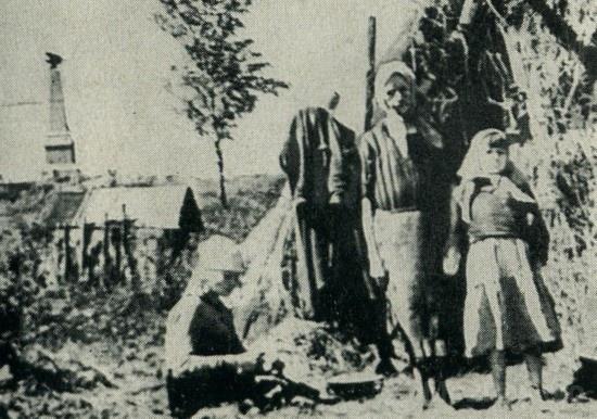 В деревне Горки. Лето 1942 г.