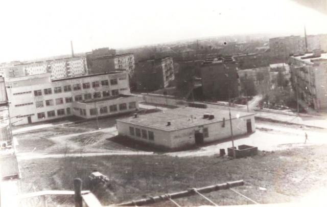 Можайск. Вид на Дом быта. 1977 г. Фото из архива Е.Парфентьевой.