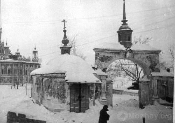 Никольский собор в г.Можайске, освобожденном от оккупации войсками Западного фронта. 21.01.1942 г. Фото Кинеловского. РГАКФД