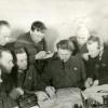 Комиссар партизанских отрядов, секретарь Можайского горкома ВКПб И.М.Скачков проводит совещание с партизанами. Ноябрь 1941 г. РГАКФД