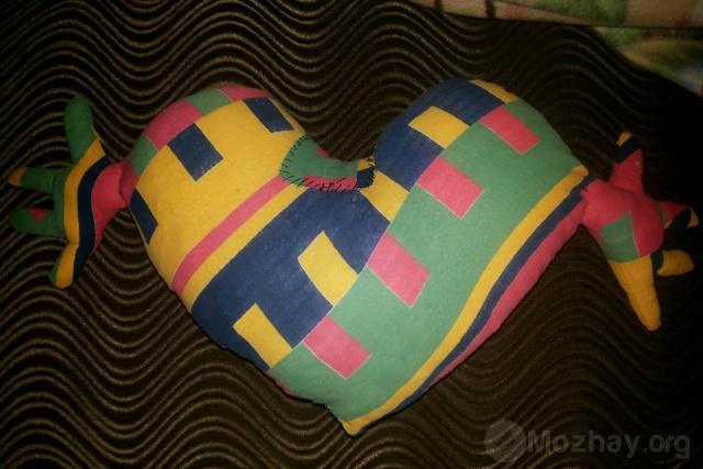 подушка сердце с ручками